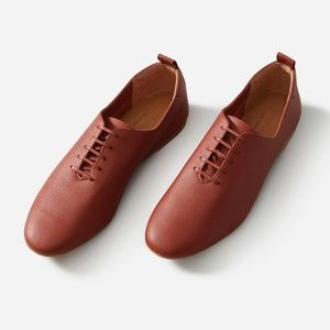 Everlane The Court Shoe in Brick 10